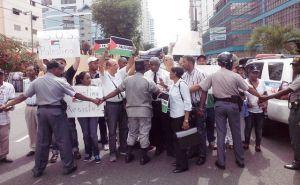 Protesta frente a embajada de Israel en RD.