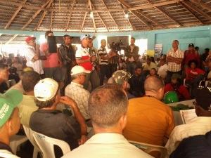 Participantes en la asamblea.