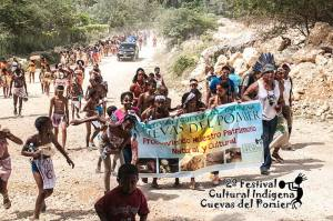 Desfile festival indígena