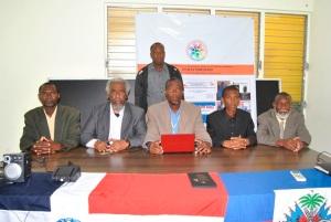 Dirigentes de FEDAYODEH-RD en la rueda de prensa.