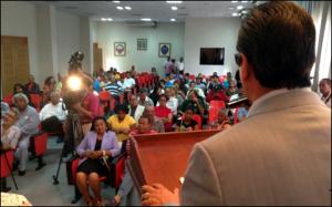 El rector de la UASD, Iván Grullón abre el seminario.