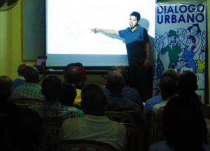 El economista Rafael Jovine explica sobre el desempeño presupuestario del Ayuntamiento.