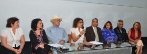Participantes en la rueda de prensa en la UASD.