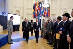 Leonel Fernández a su llegada a la sede de la OEA. Foto PLD.