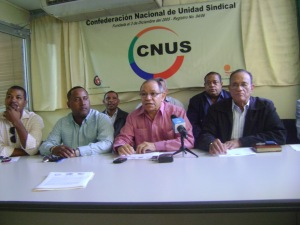 Representantes de las centrales sindicales.
