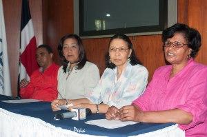 Representantes de las organizaciones en la rueda de prensa.