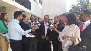 Integrantes del Comité en rueda de prensa.