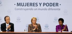 El Secretario General de las Naciones Unidas, Ban Ki-moon, la Presidenta de Chile, Michelle Bachelet y la Directora Ejecutiva de ONU Mujeres, Phumzile Mlambo-Ngcucka. Foto http://www.unwomen.org/es.