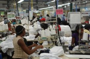 Mujeres laboran en una zona franca dominicana. Fuente externa.