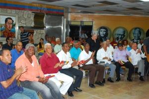 Parte de los y las asistentes al acto del MPD.