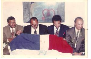De izquierda a derecha, Manuel Terrero (fallecido), Francisco Ramos, Fidel Santana, y Guillermo Brea Zapata, en el AILA a su llegada al país el 25 de marzo de 1995.