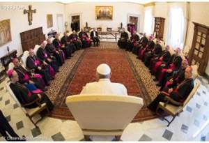 El Papa Francisco con obispos dominicanos.