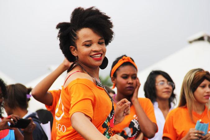 OrangeTheWorld_Brazil_BlackWomensMarch_Nov2015_IMG_1251_1_675x450